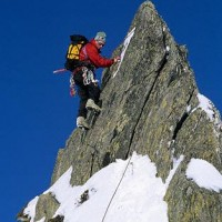Mountain_Climber_Scaling_Peak_10950000837