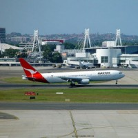 Sydney Airport coming in to land