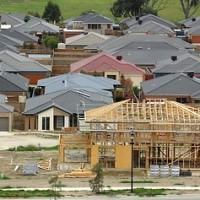 Building approvals rise