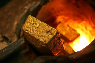 Gold hits record high in Australian dollar terms