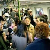 Melb and Syd maintain manic population growth