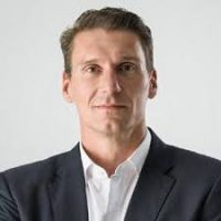 Bernardi calls for Parliament to be suspended