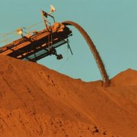 Iron ore discounts to disappear as it crashes?