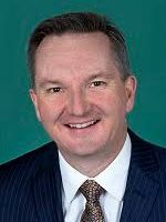 "Bowen: ""Age of tax entitlement must end"""