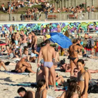 Not enough Aussies are self-isolating to stop virus